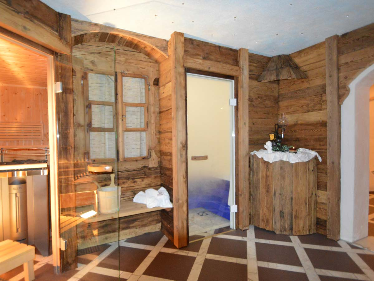 appartements zimmer im landhaus montana in gerlos im zillertal sauna. Black Bedroom Furniture Sets. Home Design Ideas